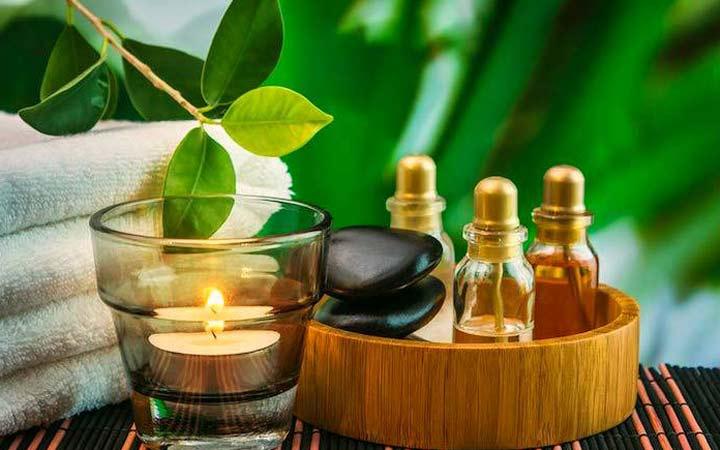یکی از محصولات مراقبت مو که بسیاری از آرایشگران طرفدار آن هستند، روغن ها ی مخصوص مو هستند - مراقبت از مو
