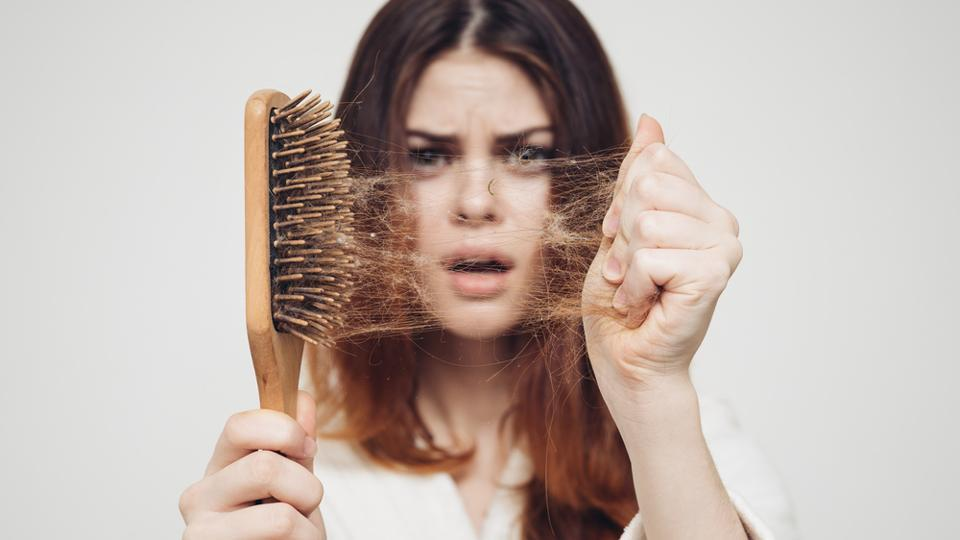 Image result for علل احتمالی ریزش موی خانم ها